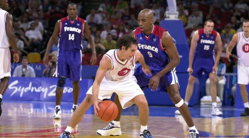 JO 2000 : la France élimine le Canada en quart de finale, la défense remarquable de Makan Dioumassi sur Steve Nash