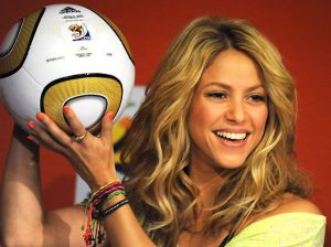 World-Cup-2010-Champion-Shakira-poses-with-Jabulani-Soccer-Ball