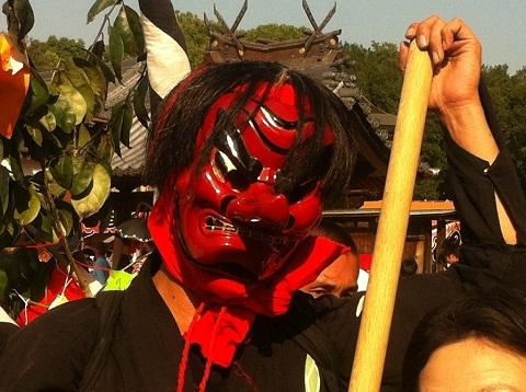 祭りの華の天狗 黒火鉢 アップ