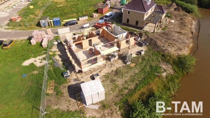 luchtfoto achterzijde woning