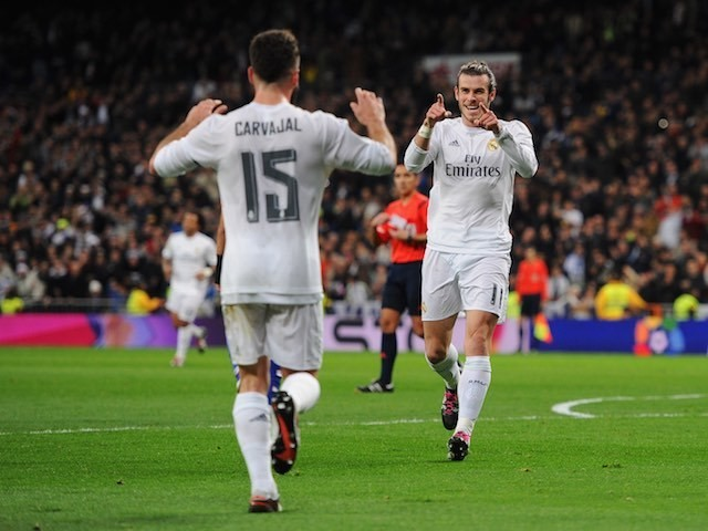 Gareth Bale celebrates with Daniel Carvajal during the game between Real Madrid and Deportivo La Coruna on January 9, 2016