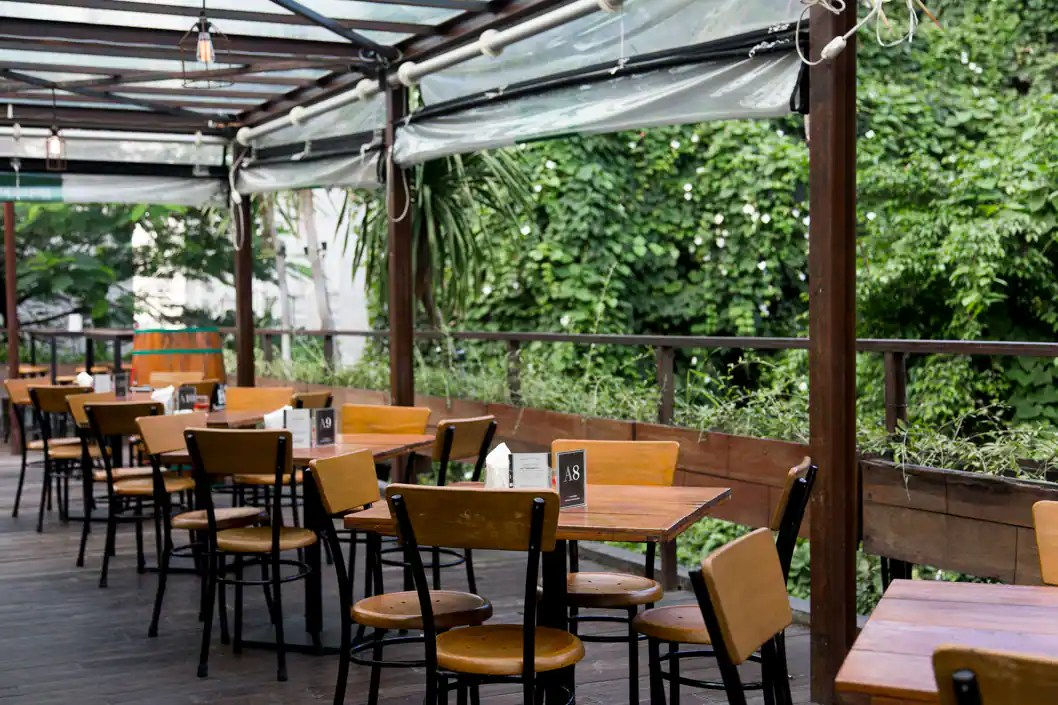 I recently decided to put a twist on a traditional container garden. Beer Garden Menteng Jakarta