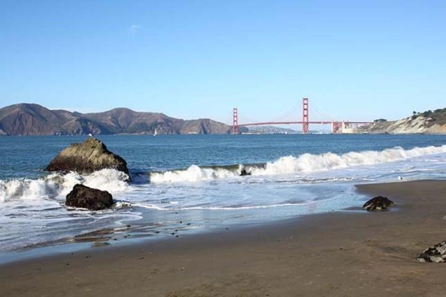 チャイナビーチから見たゴールデンゲートブリッジ (Golden Gate Bridge view from China Beach)