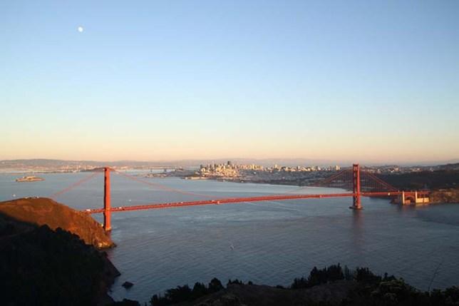 マリンヘッドランズ ビスタポイントから見たゴールデンゲートブリッジ (Golden Gate Bridge view from Marin Headlands Vista Point)