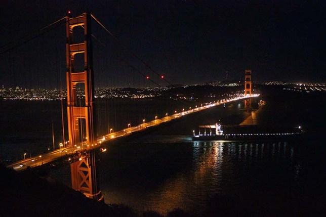 バッテリースペンサーから見たゴールデンゲートブリッジの夜景 (Golden Gate Bridge night view from Battery Spencer)