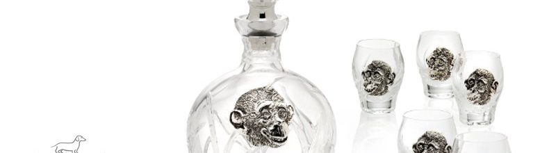 Service in crystal for vodka with the 2016 Monkey symbol
