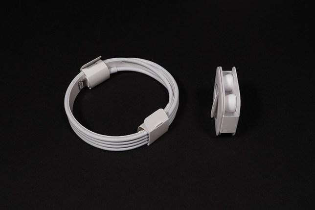 Apple AirPods Pro 付属ケーブルとイヤーチップ