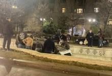 Photo of Încă una! A treia mașină care a plonjat în fântâna de la Piața Unirii în doar o săptămână