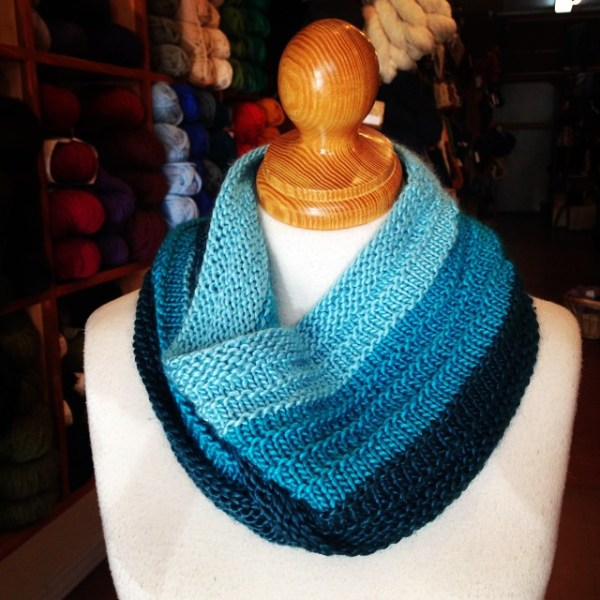 Gradient Purl Ridge Scarf