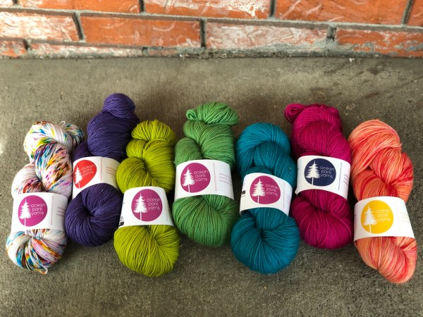 A small selection of the amazing semi-solids and speckles of the new Organic Merino Superwash Sock line.