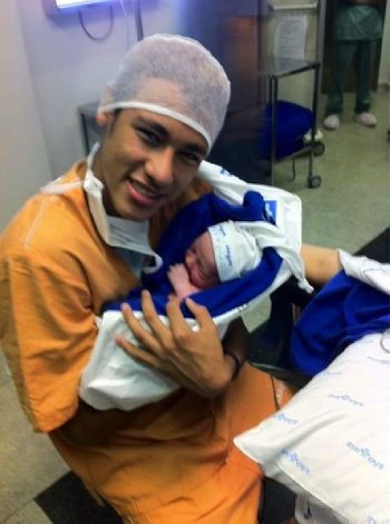 Neymar became father at the age of 19
