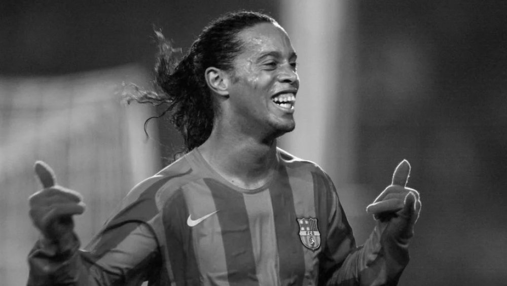 Ronaldinho tests positive for COVID 19