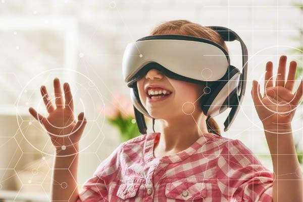 kislány virtuális szemüvegben