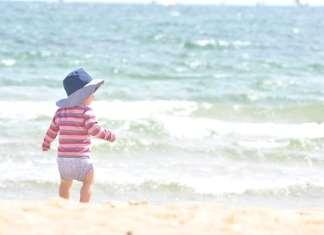 tengerpart babával