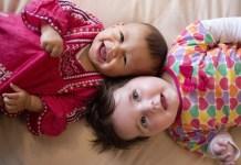 5 brilliáns játék, ami segítheti kisbabád fejlődését