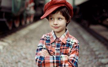 Kisgyermeket nevelő szülők képzésének elősegítése - kiemelt pályázati felhívás