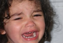 A gyerekem letörte a fogát, mit tegyek?