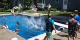 Кийт Дейвисън направил басейн с размери 4,9 м, на 9,8 м.