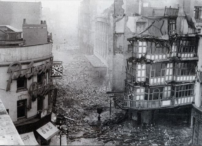 Dutch House, Wine Street (after the Blitz)