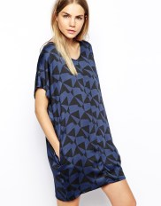 Won Hundred People Dress in Blue Black Print