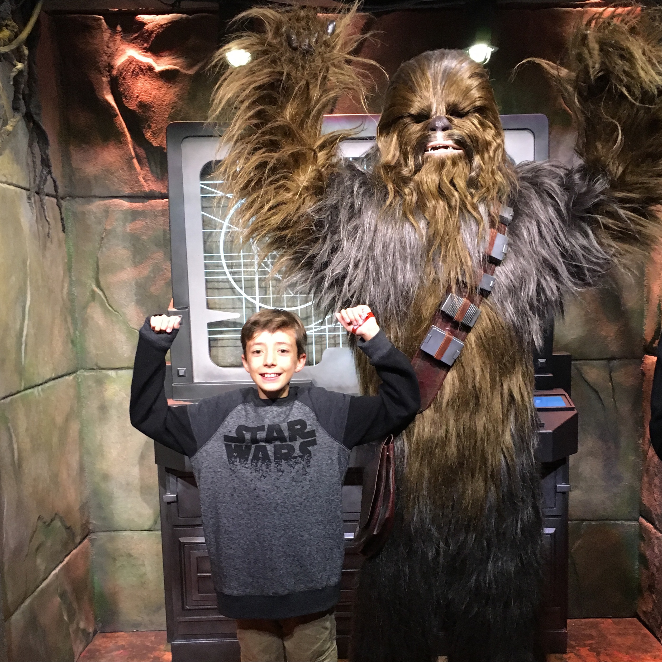 Star wars launch bay at disneyland the ultimate fan experience everything you need to know about star wars launch bay character meet greet kristyandbryce Choice Image