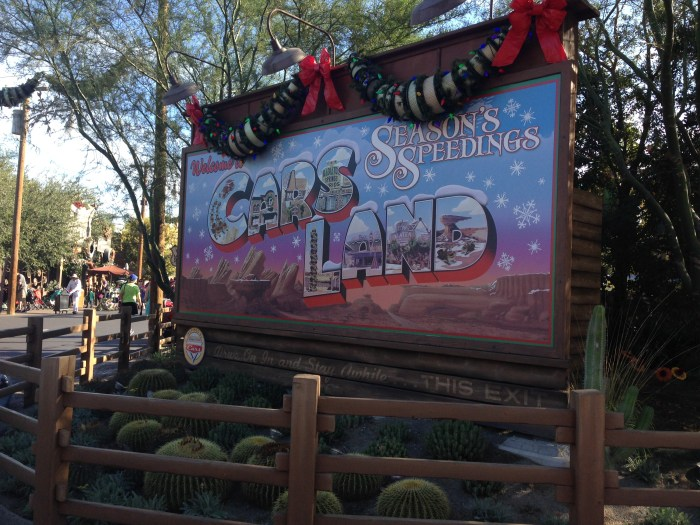 10 best reasons to visit Disneyland during Holiday Time