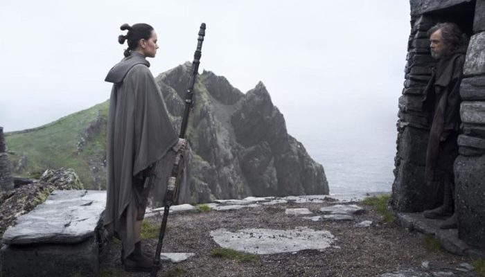 Star Wars: The Last Jedi Review for Fans, Moms and Dads. Spoiler free!