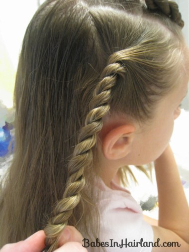 Knots and Twists (4)