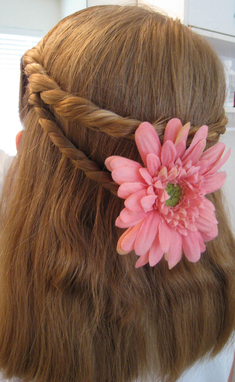 A Very Simple Twist Hairstyle