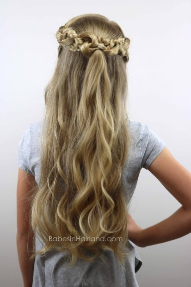 Half-Up Knotted Pullback from BabesInHairland.com #hair #knots #curls #hairstyle