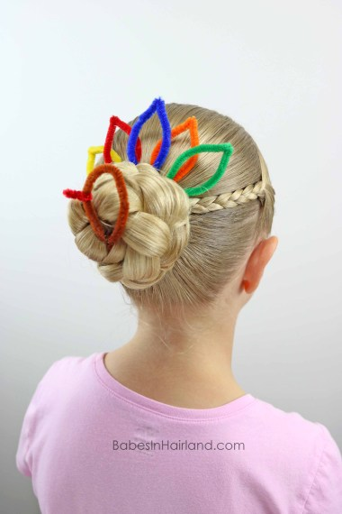 Turkey Bun for Thanksgiving from BabesInHairland.com #thanksgiving #bun #turkeybun #hair #hairstyle