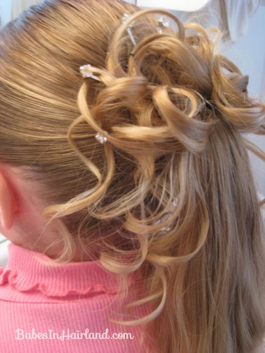 Curls above Ponytail Hairstyle (10)