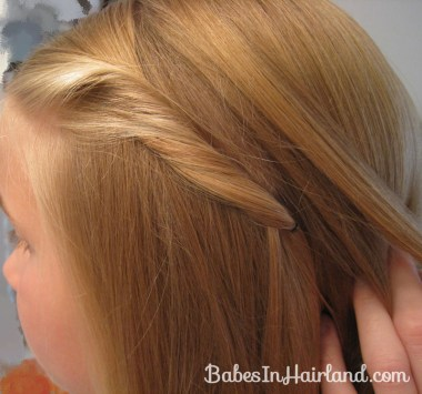 2 Simple Ways to Pull Bangs Back (6)