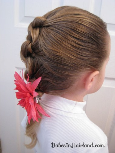 Row of Knots Hairstyle (9)
