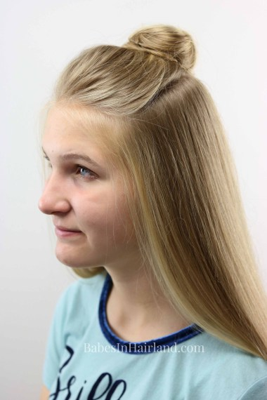 Be out the door in minutes with this quick & easy half-up topknot hairstyle tutorial from BabesInHairland.com | teen hairstyle | bun | hairBe out the door in minutes with this quick & easy half-up topknot hairstyle tutorial from BabesInHairland.com | teen hairstyle | bun | hair