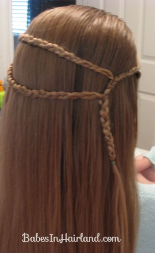 Small Wrap Around Braid Hairstyle (4)