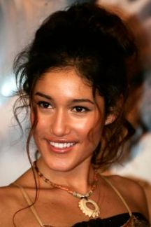 Q'orianka Kilcher arrives to the premier of The New World in Beverly Hills Thursday, December 15, 2005. (Photo by Branimir Kvartuc)