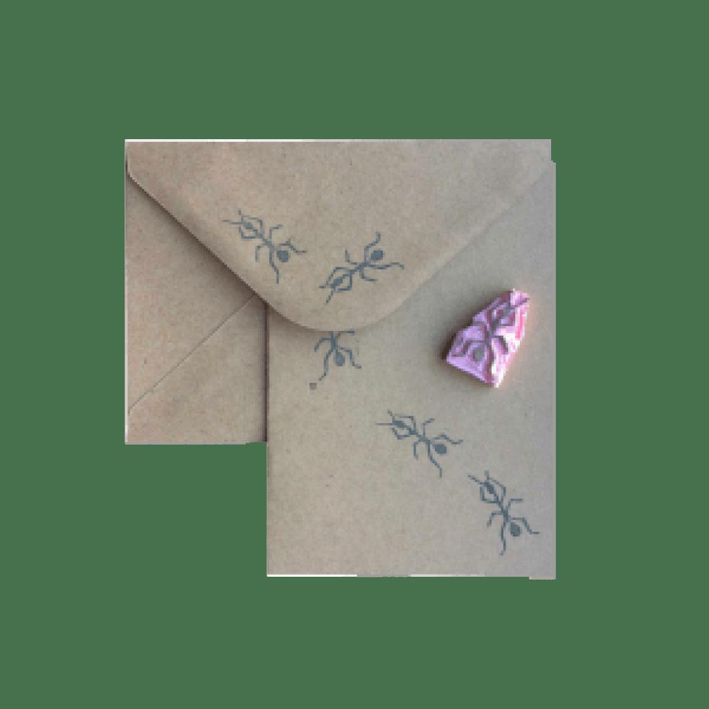 handgemaakte stempel van een mier op