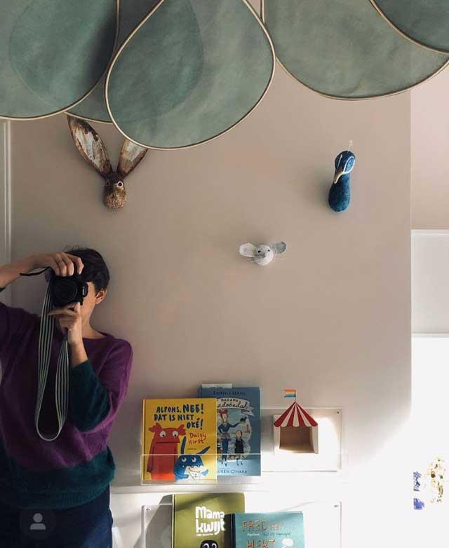 papiermache dieren aan de muur muis pauw haas