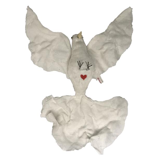 witte duif groot houten bek en ijzeren pootjes