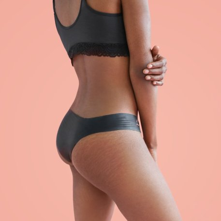 Lorals single-use latex panties are designed to reduce the risk of receiving unprotected oral.