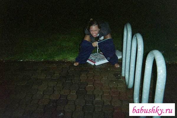 Подсмотрим за писающими пьяными девками (15 фото эротики ...