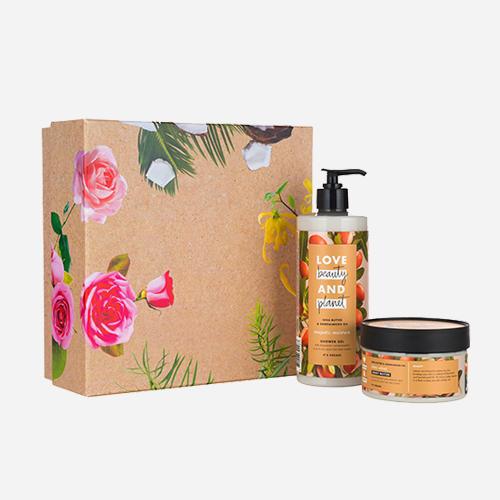 Love Beauty & Planet Shea Butter & Sandalwood luxe geschenkset
