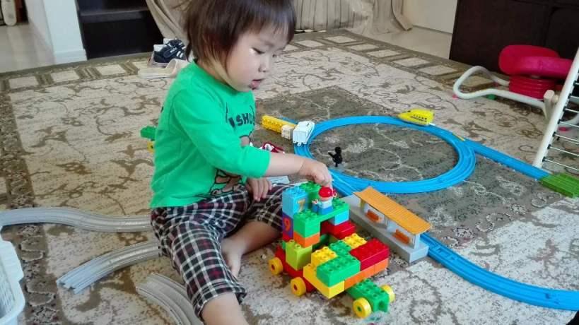 こゆたん2歳5ヶ月 レゴブロック