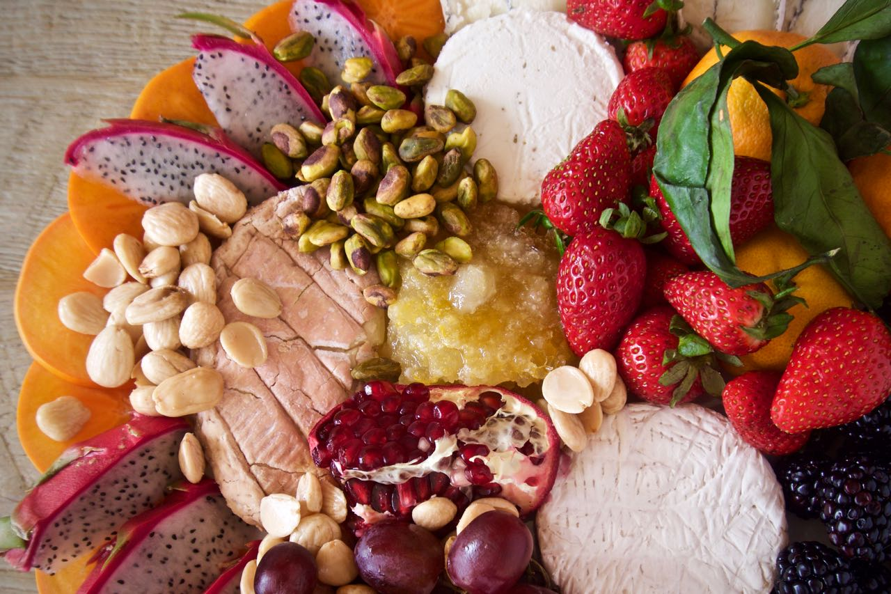 I\u0027m a little late in posting my most recent cheese plate devoured at a Friendsgiving. This one overflowed with fall fruit\u2026 & A Fruit and Cheese Plate for Friends - Baby Bird\u0027s Farm and Cocina