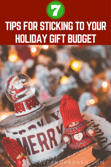 As amazing as the holidays are they can also be super stressful when it comes to money. Here are some simple ideas to help you stick to your holiday budget.