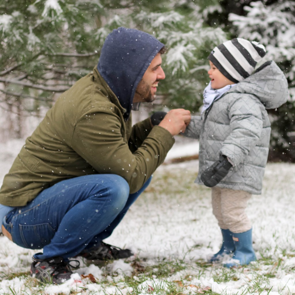 Aiden Loves Snow and dad
