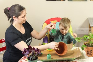 St. Patrick's Day craft with a toddler by popular DC Mommy Blogger Baby Castan on Board