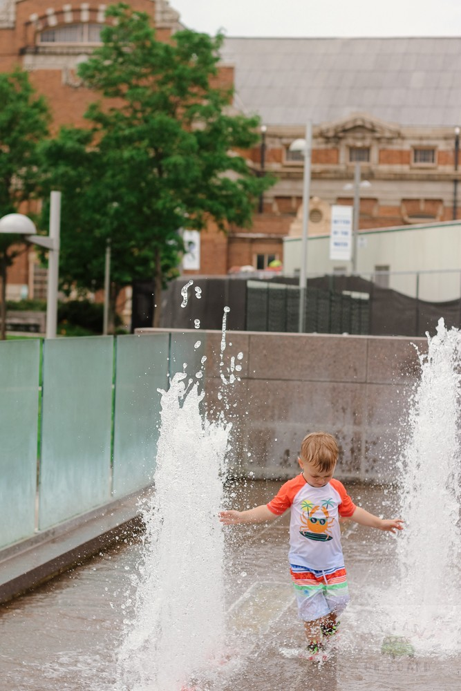best splash pads in DC_toddler running through fountains_web