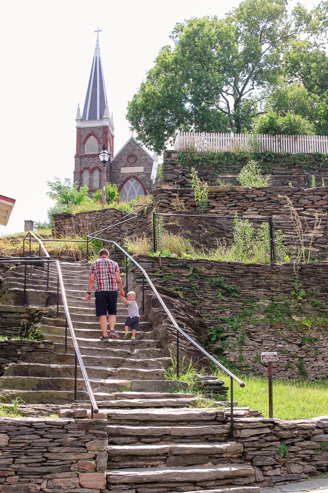 MaxiCosi_Dad and Toddler Walking by old Church in Harpers Ferry